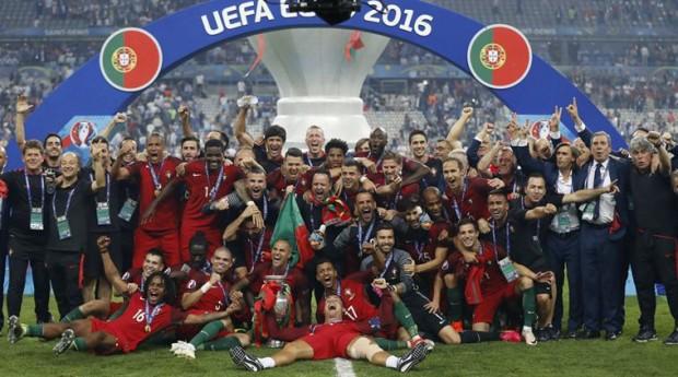 Португальцы - чемпионы Европы 2016 года