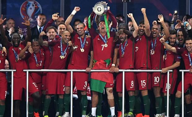 Сборная Португалии - чемпион Европы по футболу 2016 года