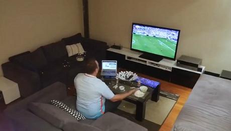 Таким болельщикам смотреть футбол противопоказано.