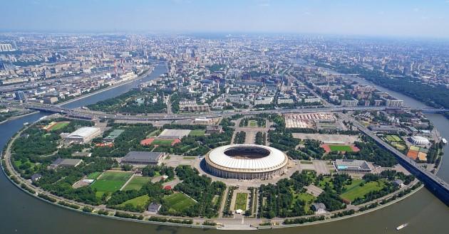 Панорамный вид стадиона Лужники в Москве